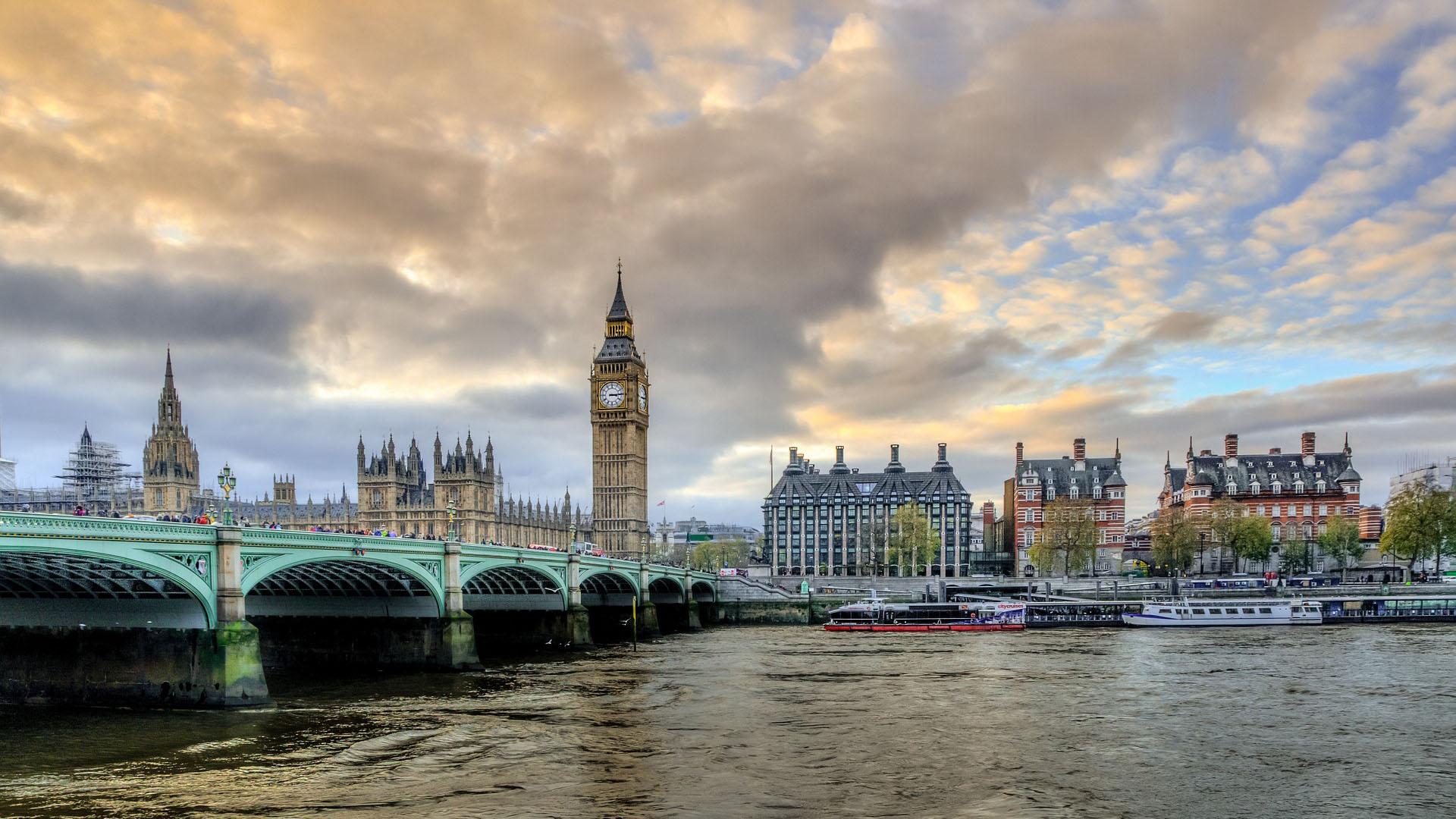 בדרך ללונדון עוצרים באוסלו: איך זה להיות מעצבת בבריטניה?