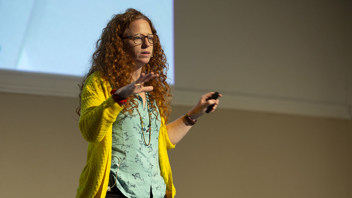 אחד על אחד עם דנה כהן בראון: על UX, נוודוּת וקהילה